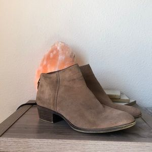 Lucky Brand Ankle Booties sz 10